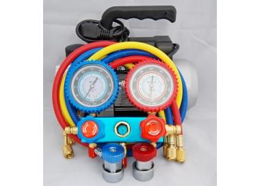 Service-Fagfolk bruger V-pumpe, og Manometerställ